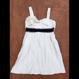 Anthro Deletta white sweetheart top empire waist